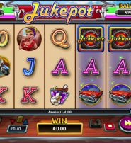 Jukepot Slot Offers Free Spins with Locked Reels
