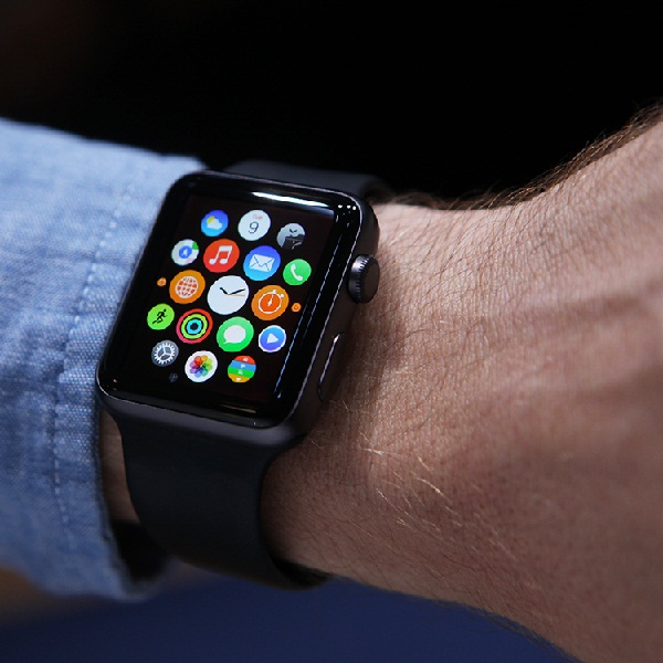 Playtech Launches Mobile Sports Betting App for Apple Watch