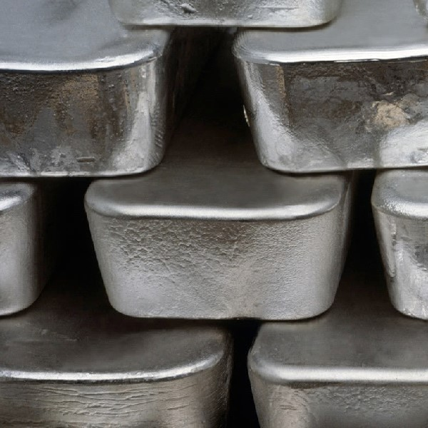 Silver Prices Fall as Dollar Rises