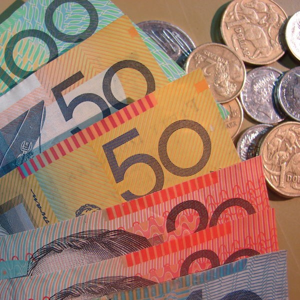 AUD/USD Falls to 6 Month Low