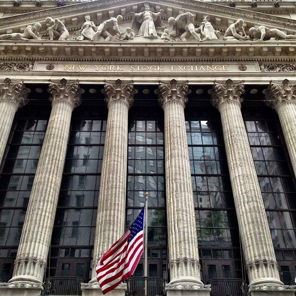 NYSE Composite Index Suffers as Oil Prices Fall
