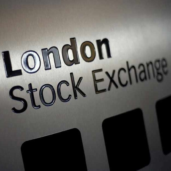 FTSE 100 Falls as Scottish Yes Campaign Gains Traction