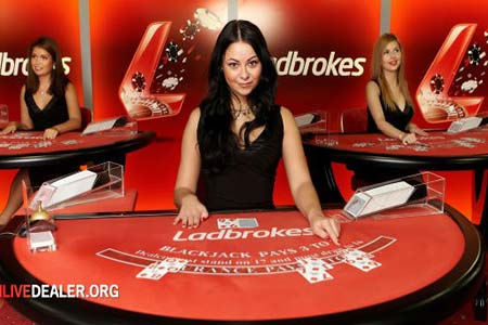 Ladbrokes Launches Playtech Live Casino on Mobile