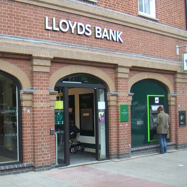 Lloyds Share Price Remains Positive on Monday