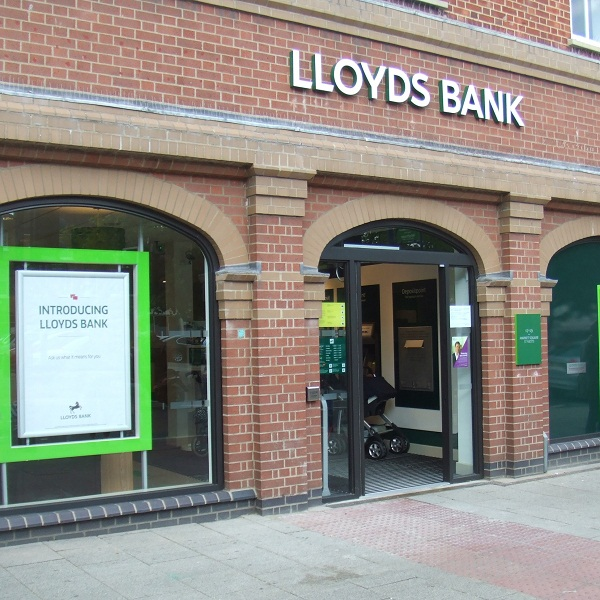 Lloyds Banking Group Share Price Rises Despite Job Cuts