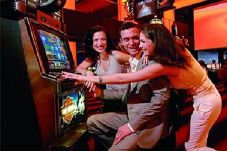 Longer Opening Hours for New York Racinos