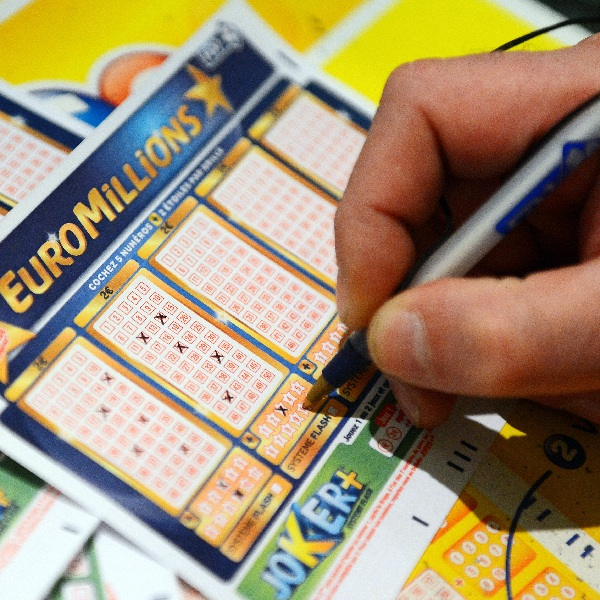 €32M EuroMillions Results for Tuesday December 1