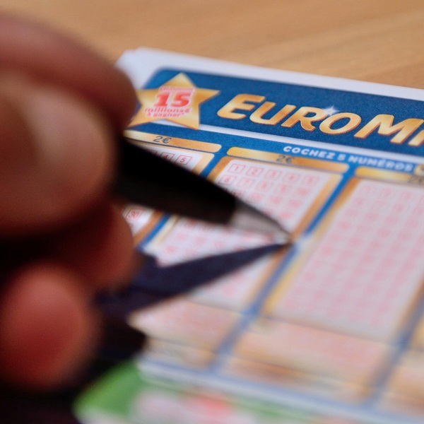 €25M EuroMillions Results for Friday November 27