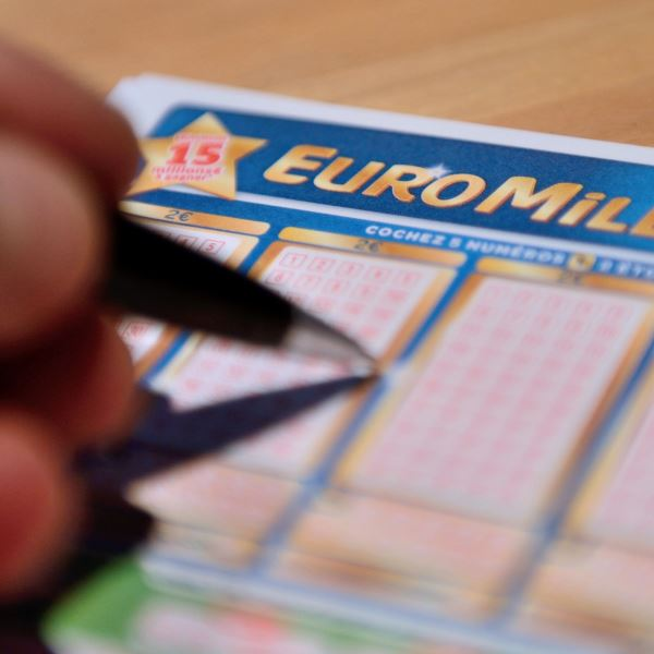 EuroMillions Superdraw Jackpot Worth �100,000,000 Friday, October 3