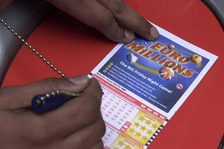 Multiple UK Lottery Players Fail to Collect Prizes
