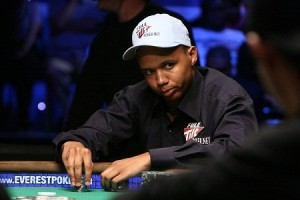 Phil Ivey Becomes Youngest Ever to Win 10 WSOP Bracelets