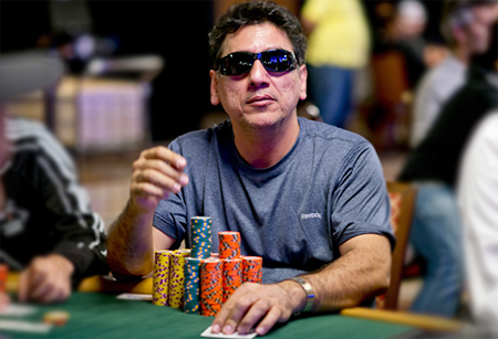 Rustom Takes the Lead as Rettenmaier Exists in WSOP Main Event