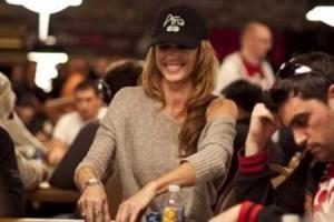 Shannon Elizabeth - no poker face needed
