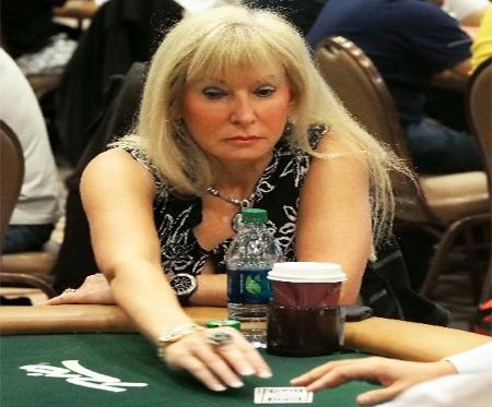 Shulman Returns to WSOP Wearing Last Year's Bracelet
