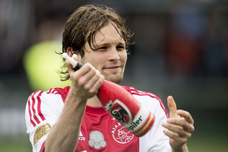 Manchester United Agrees to Pay £13.8 Million for Daley Blind
