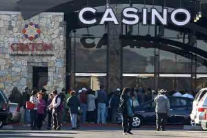 Thousands Arrive for Graton Resort & Casino Opening