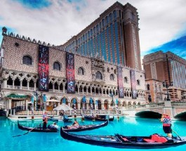 The Venetian Resort Hotel Casino Offers Stadium Gaming