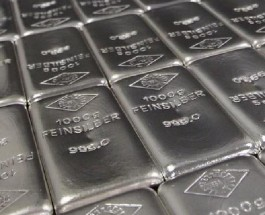 Silver Prices Continue to Fall as Dollar Strengthens