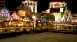 Enjoy Outdoor Gambling at the Golden Nugget Casino
