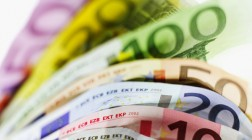 EUR/JPY Expected to Remain Steady Despite Slight Downward Turn