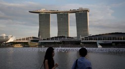 Japanese PM Shinzo Abe Plans Casino Visit While in Singapore
