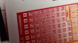 US Powerball Jackpot Grows to $225 Million for Wednesday Draw