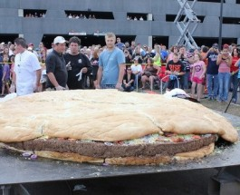 Minnesota Casino Cooks Up World Record Bacon Cheeseburger