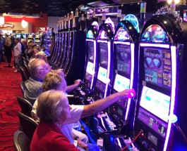 Plainridge Opens Its Doors as Massachusetts First Casino