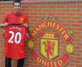Van Persie makes move from Arsenal to Manchester
