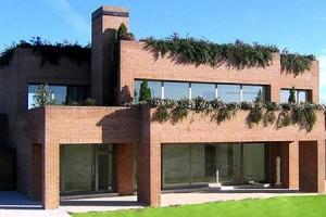 a villa belonging to ex-Madrid player Kaká
